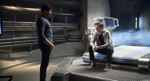 """The Flash -- """"Fast Enough"""" -- Image FLA123A_0004b -- Pictured (L-R): Jesse L. Martin as Detective Joe West and Grant Gustin as Barry Allen -- Photo: Diyah Pera/The CW -- © 2015 The CW Network, LLC. All rights reserved."""