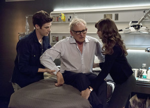 """The Flash -- """"The Fury of Firestorm"""" -- FLA204A_0204b -- Pictured (L-R): Grant Gustin as Barry Allen, Victor Garber as Professor Stein and Danielle Panabaker as Caitlin Snow -- Photo: Cate Cameron /The CW -- © 2015 The CW Network, LLC. All rights reserved."""