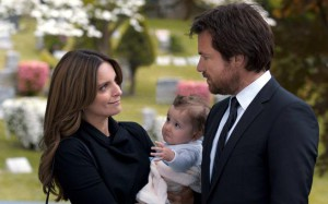 """This photo released by Warner Bros. Pictures shows, from left, Tina Fey as Wendy Altman, and Jason Bateman as Judd Altman, in a scene from the film, """"This Is Where I Leave You."""" (AP Photo/Warner Bros. Pictures)"""