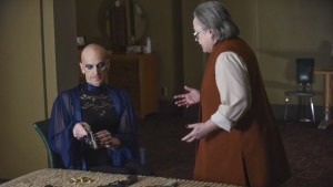 """AMERICAN HORROR STORY -- """"Battle Royale"""" Episode 511 (Airs Wednesday, January 6, 10:00 pm/ep) Pictured: (l-r) Denis O'Hare as Liz, Kathy Bates as Iris. CR: Ray Mickshaw/FX"""