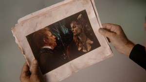 Once-Upon-a-Time-5x15-The-Brothers-Jones-Picture-of-Hades-and-Zelena-with-Oz-in-the-background