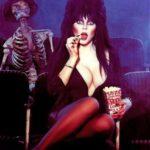 Mert aki darkos, az különc – Elvira, a sötét hercegnő (1988)